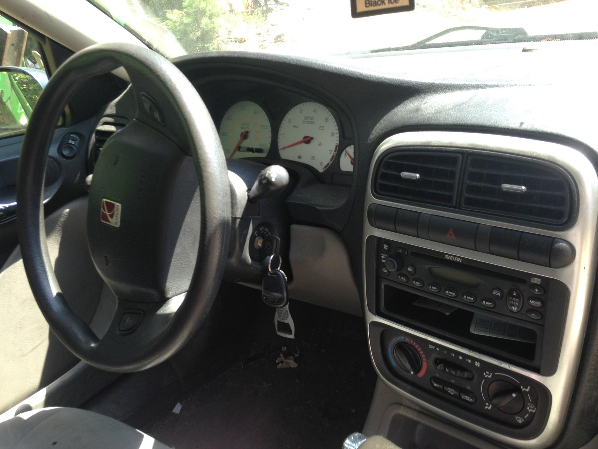hight resolution of interior of a 2003 saturn l200 sedan