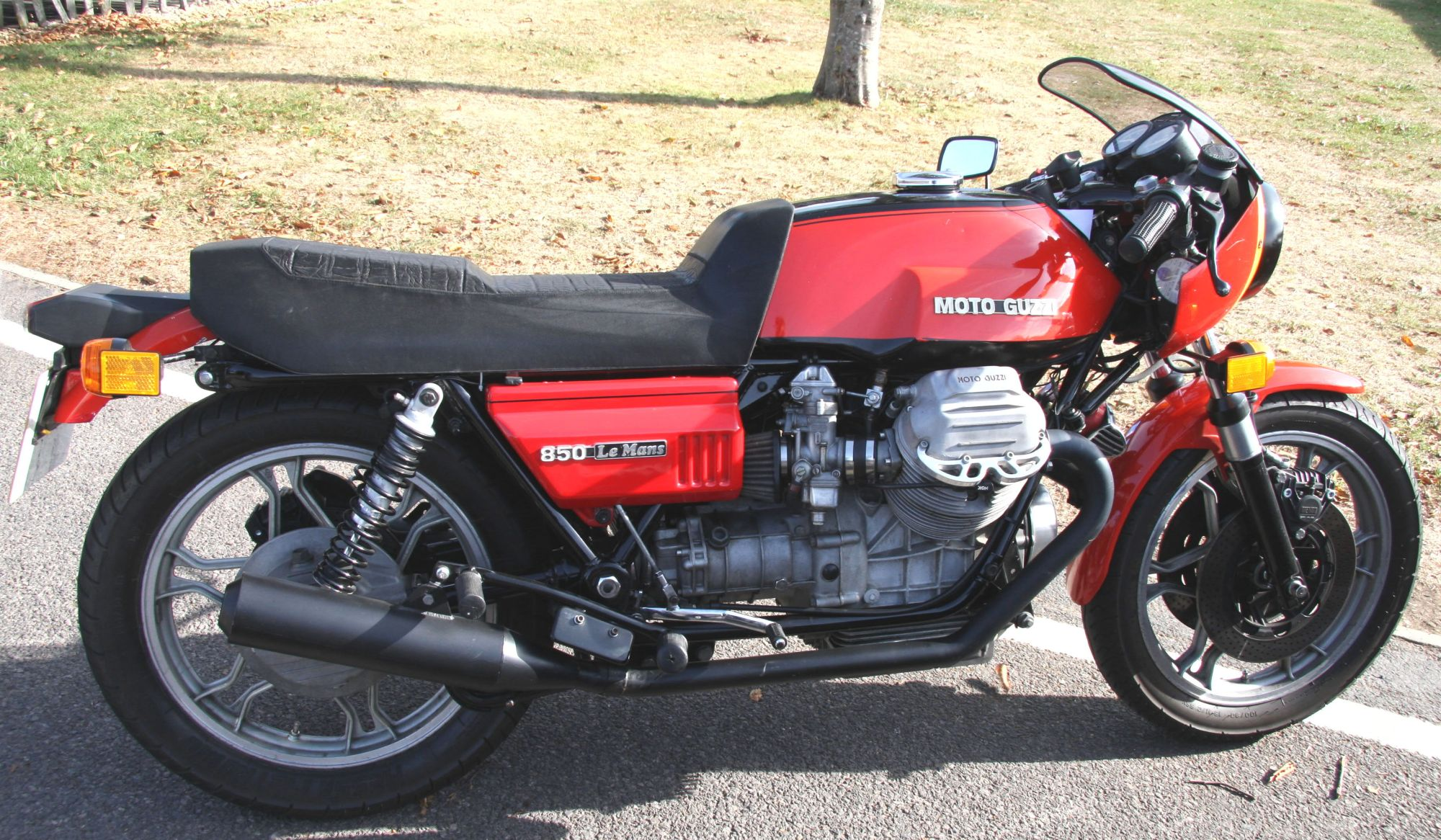 hight resolution of guzzi invented the italian cafe racer genre in the 70s they stick to the retro themes but then they make a lame tribute to british cafe racers