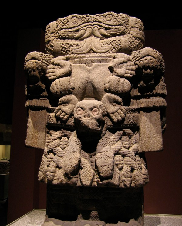 File Aztec Statue Of Coatlicue Earth