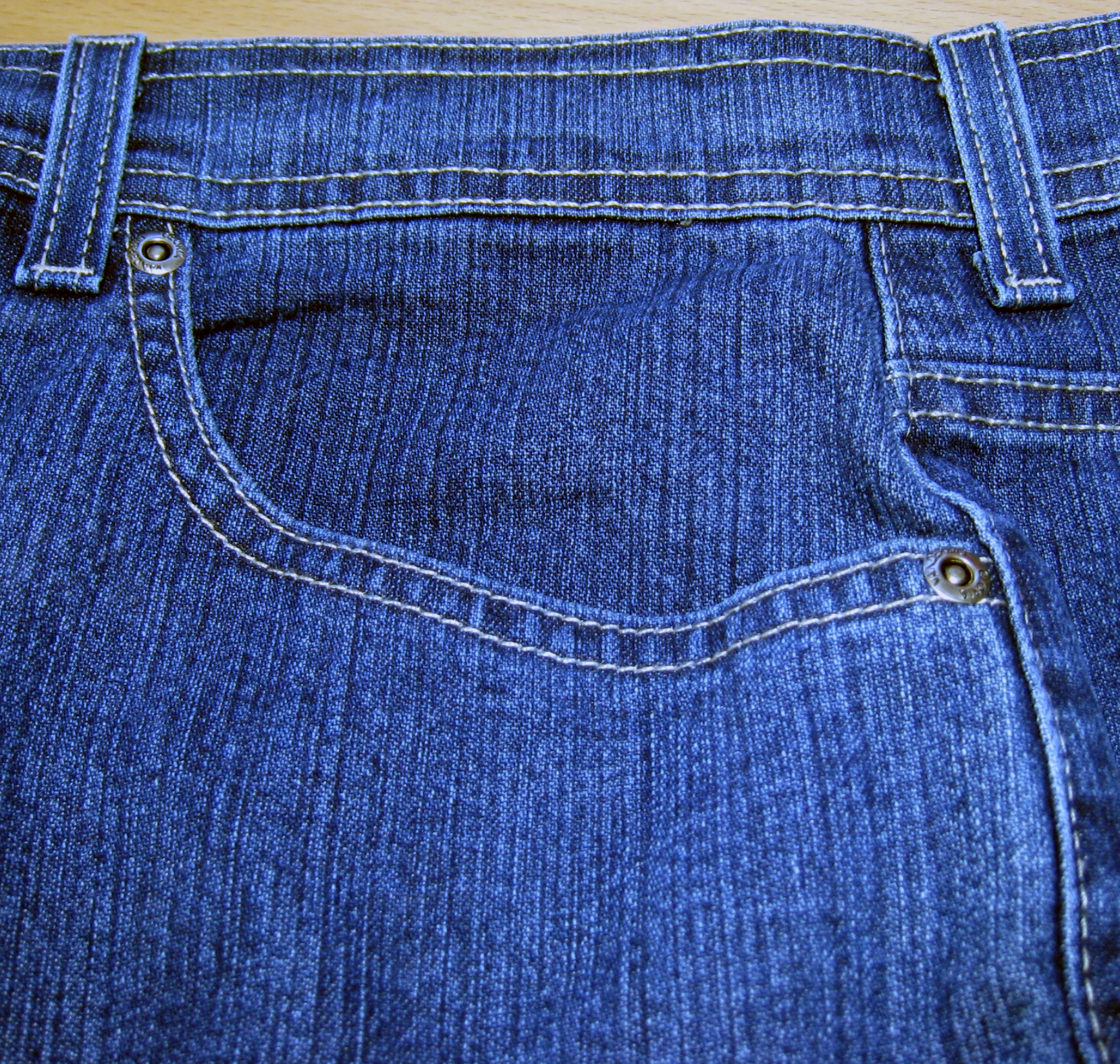 file jeans pocket front