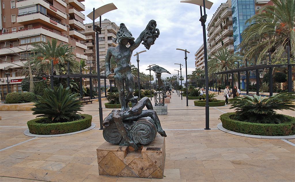 FilePanoramio  VA Dudush  Statue Salvador Dali