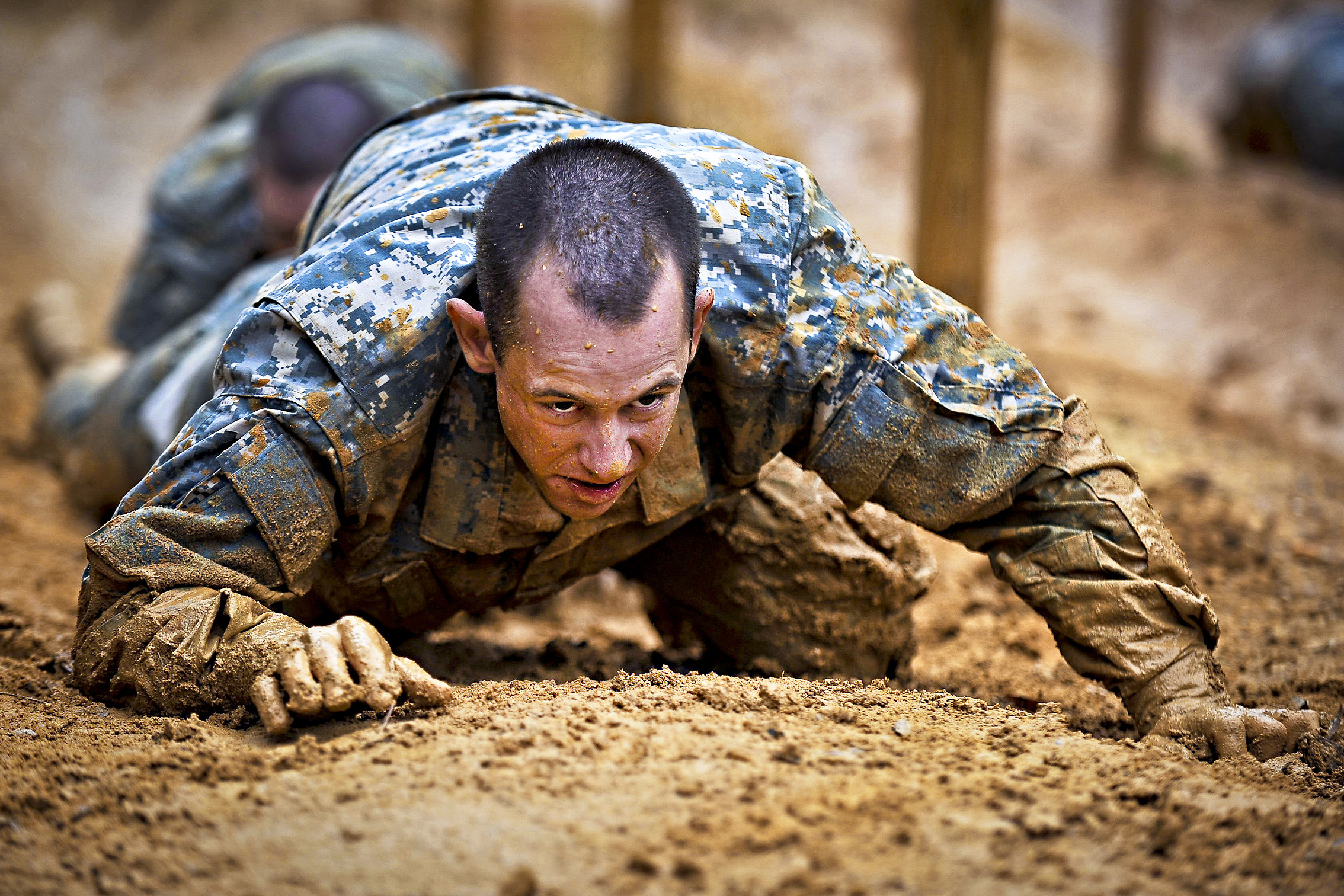 The hardest training to become a soldier (Educational Enlightenment)