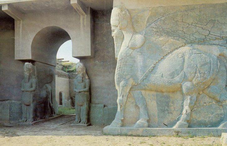 Iraq; Nimrud - Assyria, Lamassu's Guarding Palace Entrance.jpg