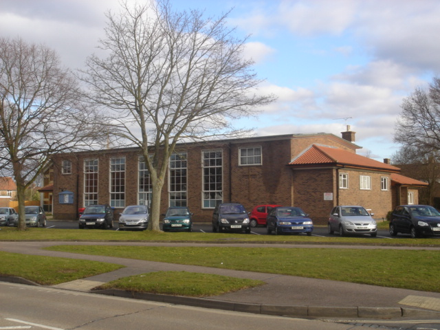 File:St Paul's Methodist Church, Northgate, Crawley.JPG