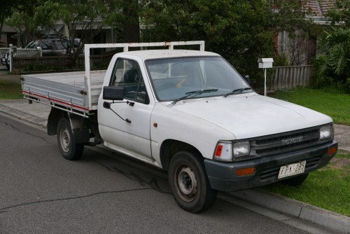 small resolution of file 1991 toyota hilux rn85r 2 door cab chassis 2015