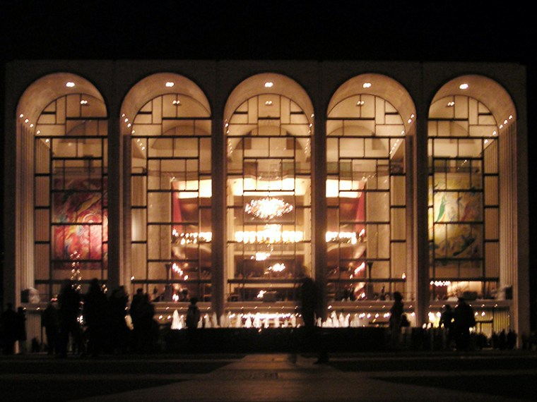 File:Metropolitan Opera House At Lincoln Center 2.jpg