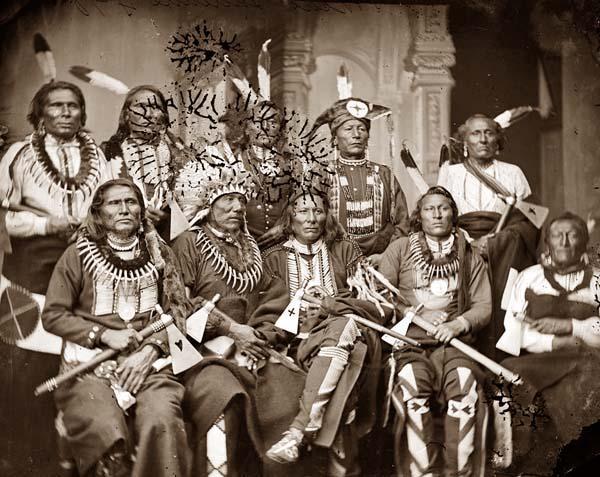 https://i0.wp.com/upload.wikimedia.org/wikipedia/commons/3/31/Native_American_Chiefs_1865.jpg