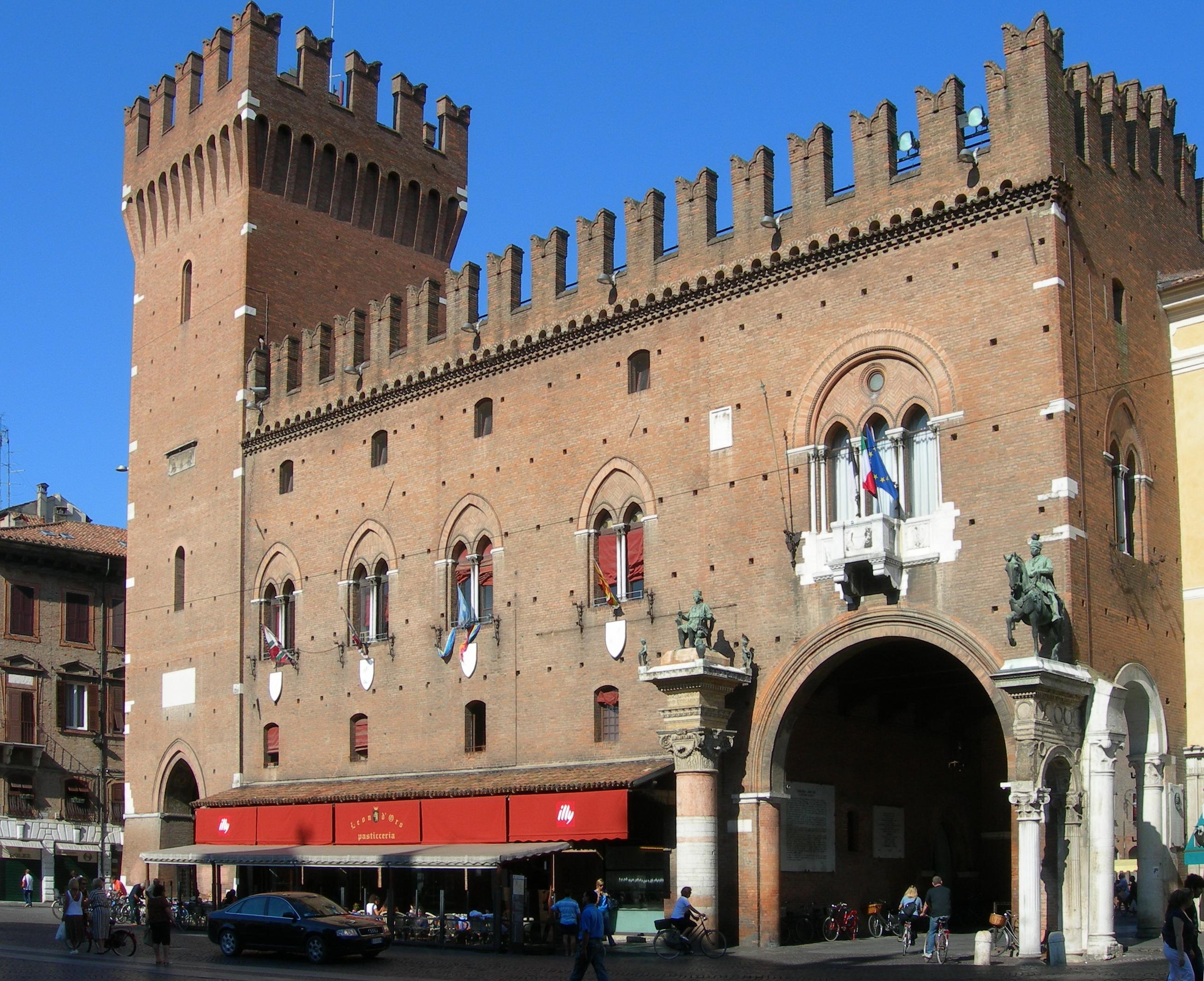 FileFerrara  Palazzo del Municipio 2jpg  Wikipedia