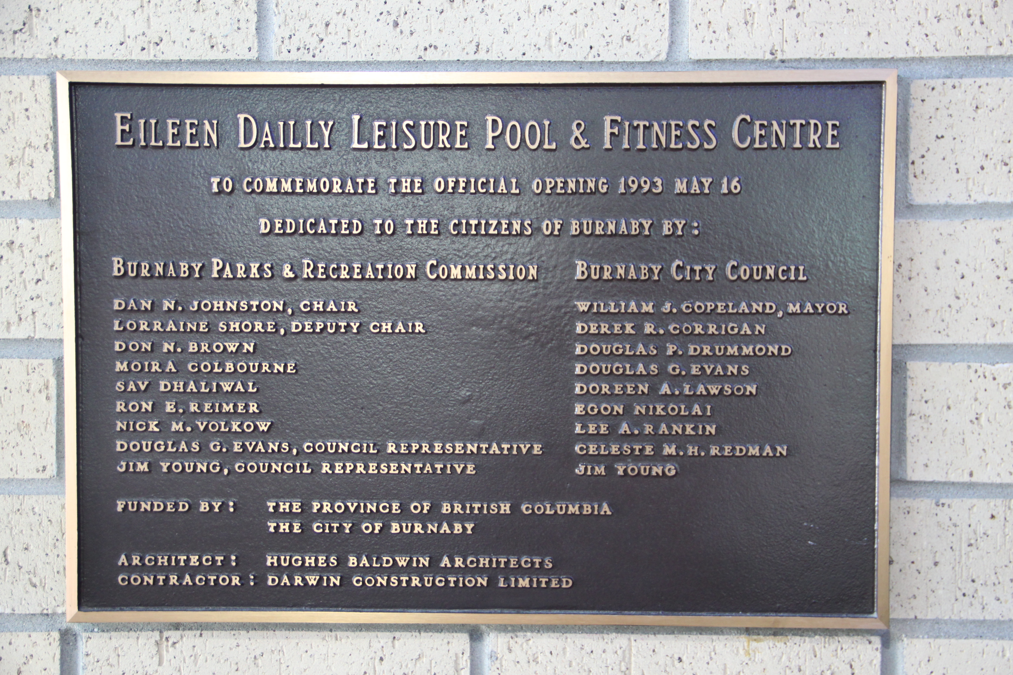 File:Burnaby eileen dailly pool building plaque.jpg - Wikimedia Commons