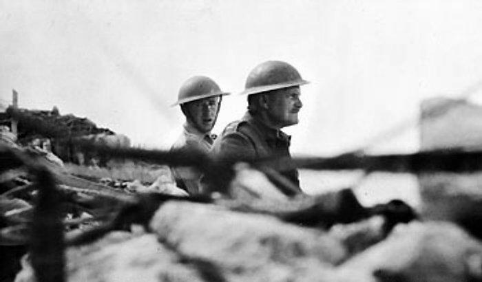 File:Lieutenant General Freyberg gazes over the parapet.jpg