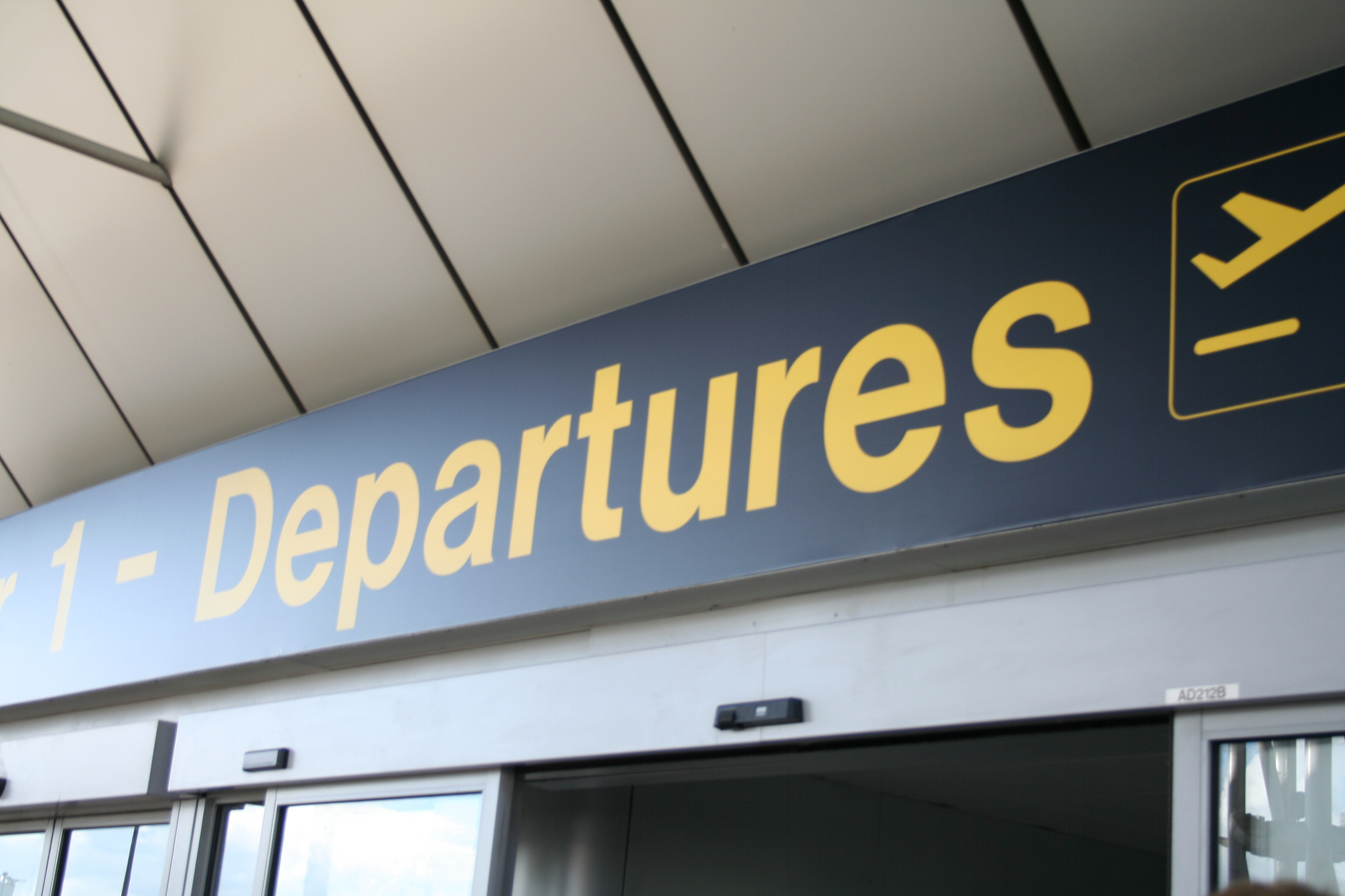 file manchester airport departure