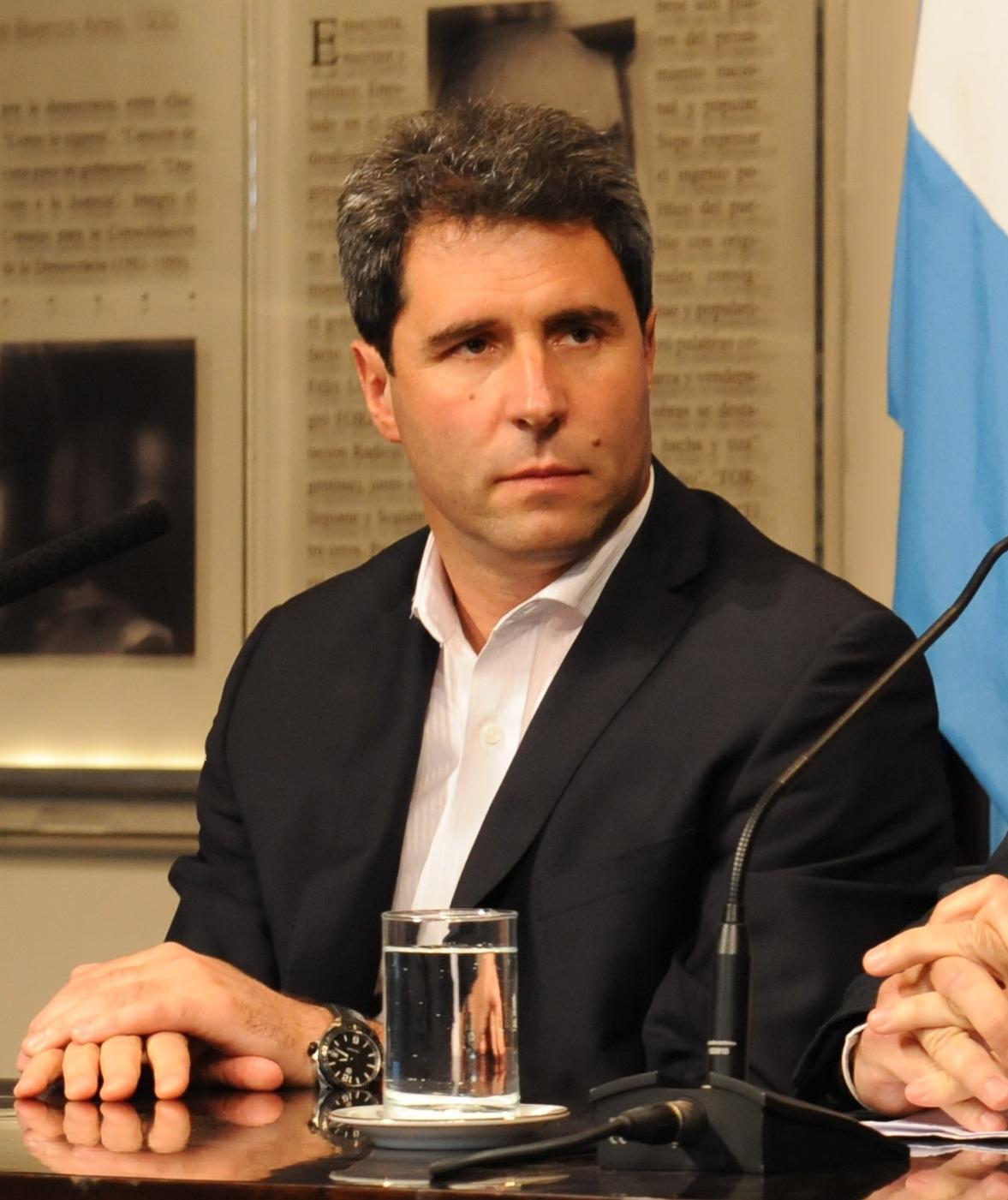 Sergio Uac  Wikipedia la enciclopedia libre
