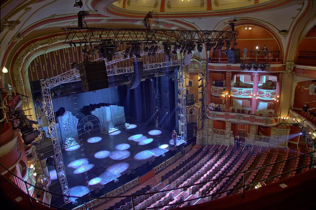 English: Bristol Hippodrome (UK) Auditorium fr...