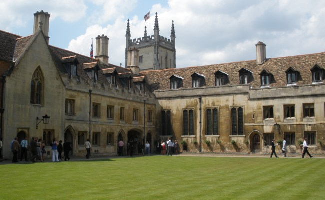 File Pembroke College Cambridge Jpg Wikimedia Commons