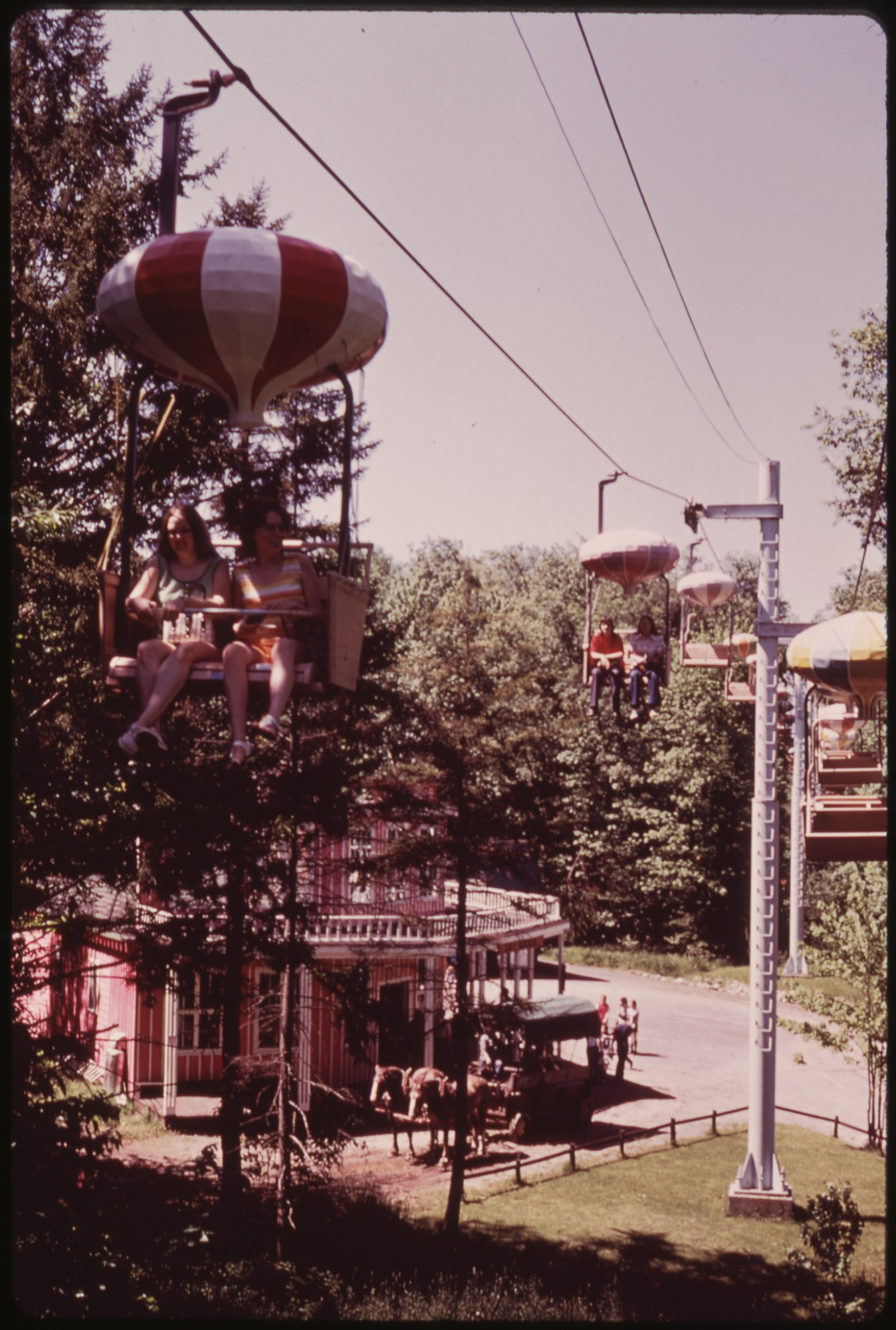 FileCHAIR LIFT AT ENCHANTED FOREST TOURIST ATTRACTION AT