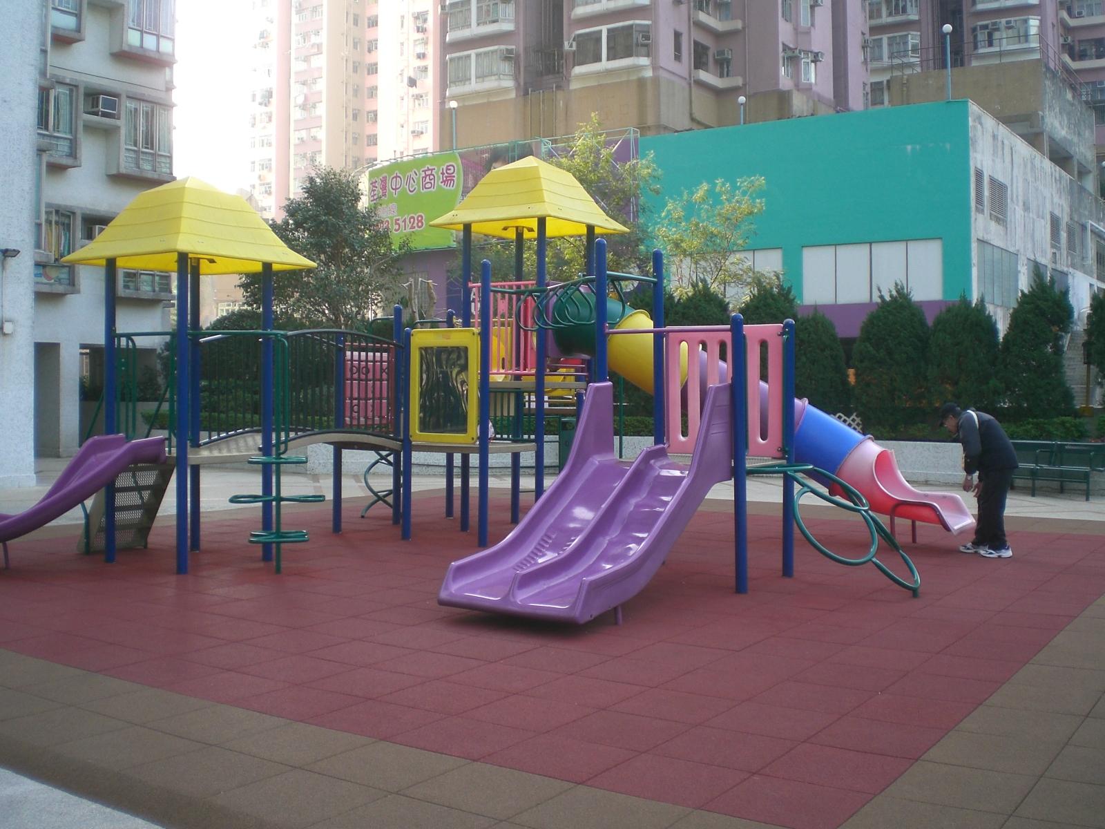 File:HK Tsuen Wan Tsuen King Garden Podium Playground Slides.JPG - 維基百科,自由嘅百科全書
