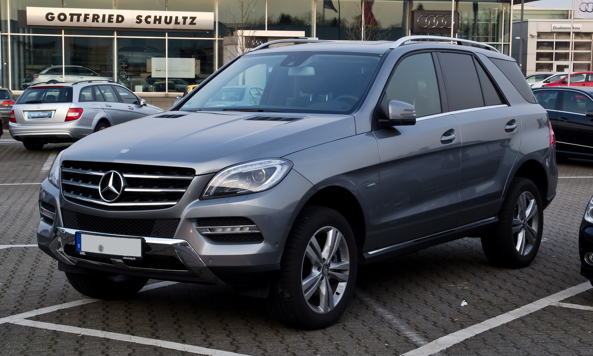hight resolution of file mercedes benz ml 250 bluetec 4matic w 166 frontansicht
