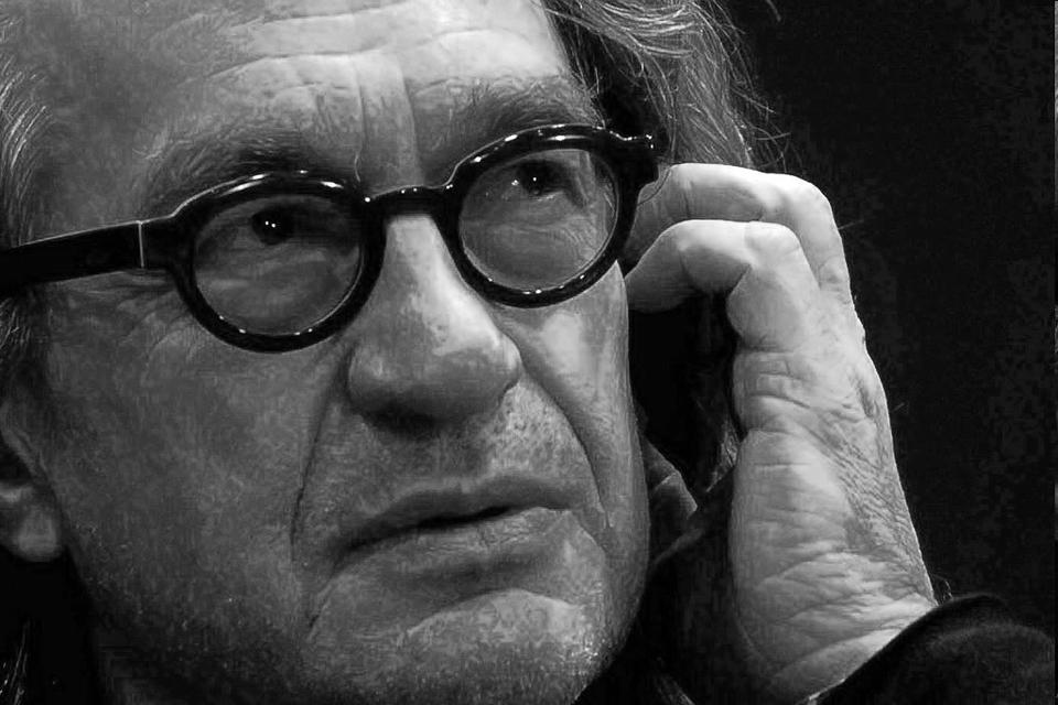 Česky: Wim Wenders, 2008. Deutsch: Wim Wenders...