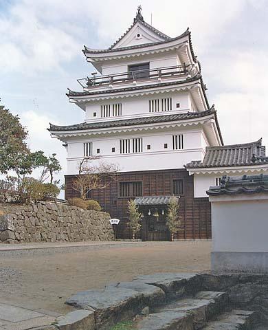 File:HiradoCastle3.jpg