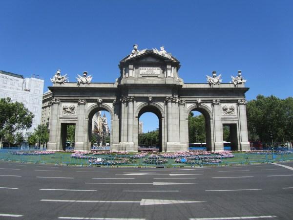 File Puerta De - Wikimedia Commons