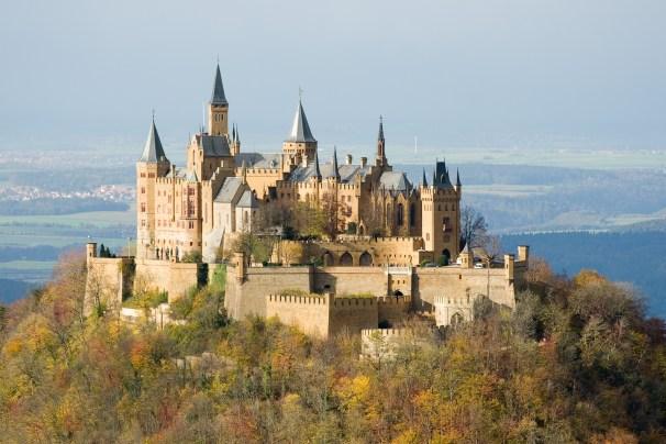 Deutsch: Burg Hohenzollern Türkçe: Stuttgart y...