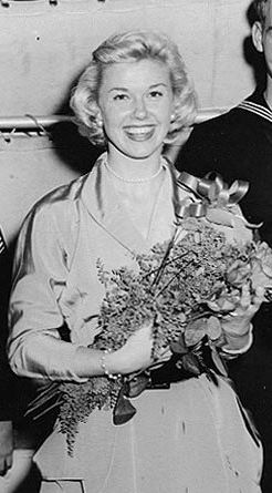 Doris Day an Bord der USS Juneau Lizenz: Besch...