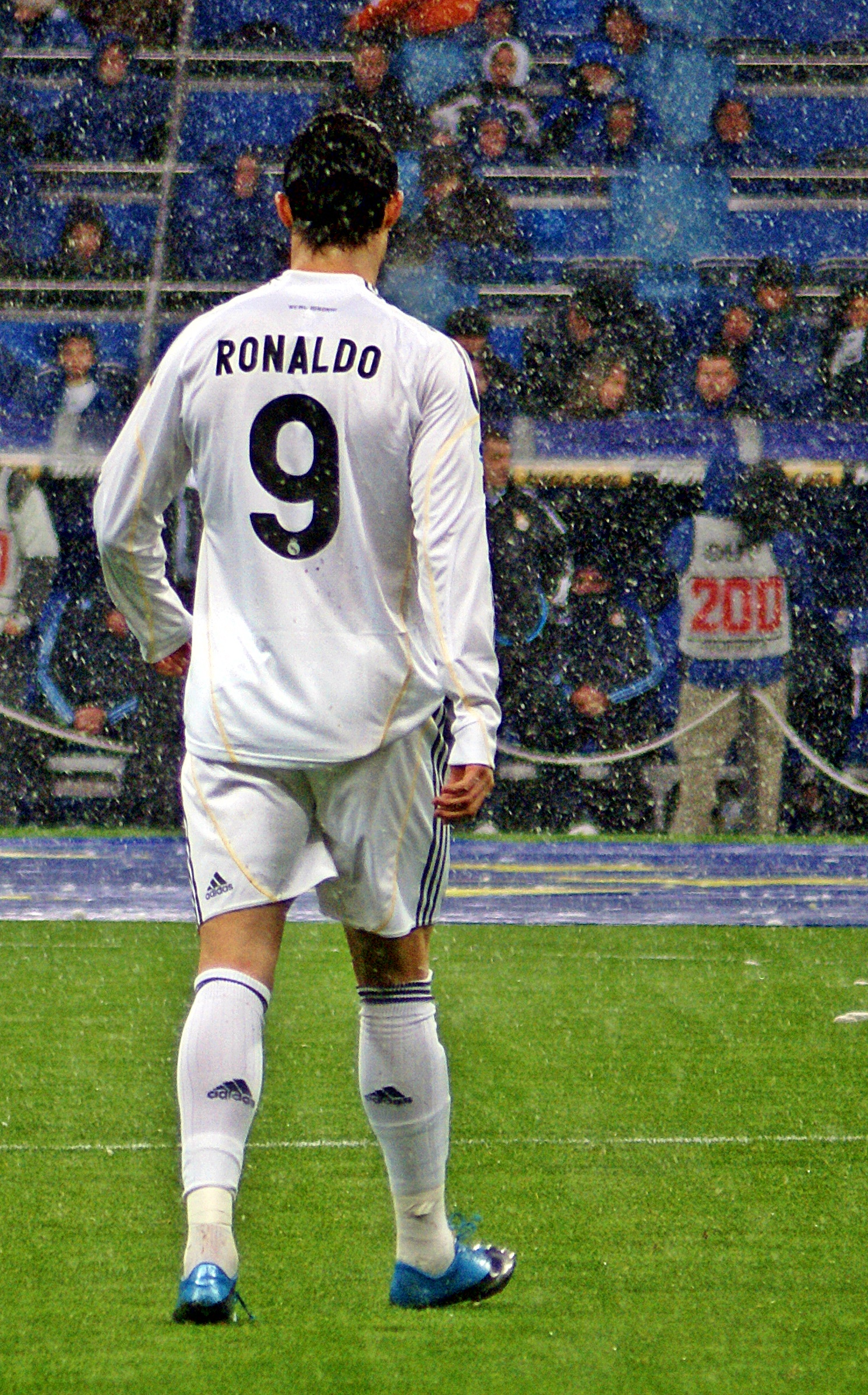 Ronaldo Vertical : ronaldo, vertical, File:Cristiano, Ronaldo, Madrid.jpg, Wikimedia, Commons