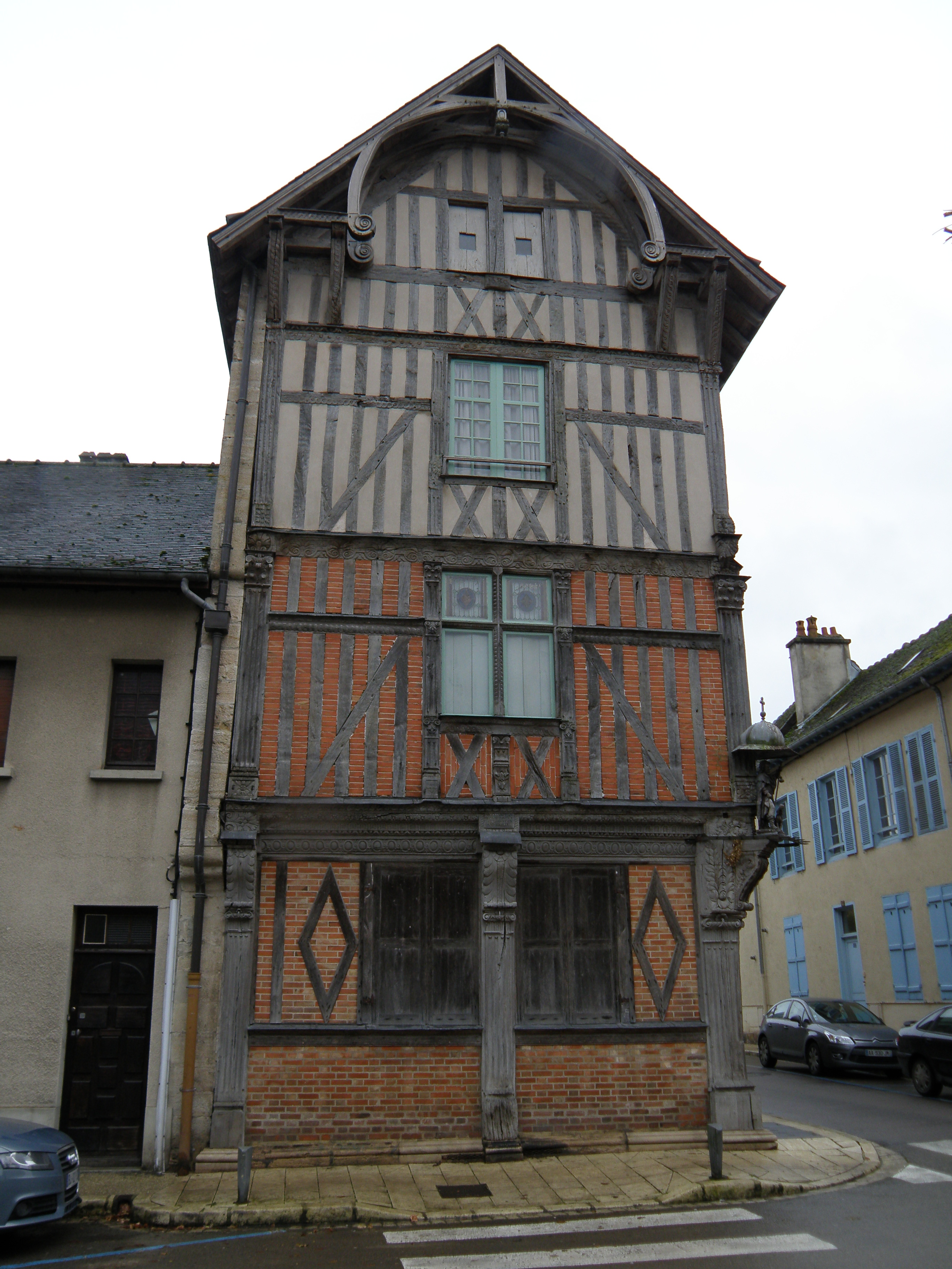 Maison à Pan De Bois : maison, File:Maison, Bar-sur-Seine, 01.JPG, Wikimedia, Commons