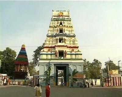 https://i0.wp.com/upload.wikimedia.org/wikipedia/commons/4/40/Front_view_of_Amaravati_Gopuram.jpg