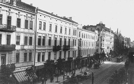 https://i0.wp.com/upload.wikimedia.org/wikipedia/commons/4/40/Warszawa_Marsza%C5%82kowska_1914.jpg