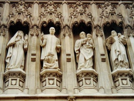 http://upload.wikimedia.org/wikipedia/commons/4/40/Westminster_Abbey_C20th_martyrs.jpg