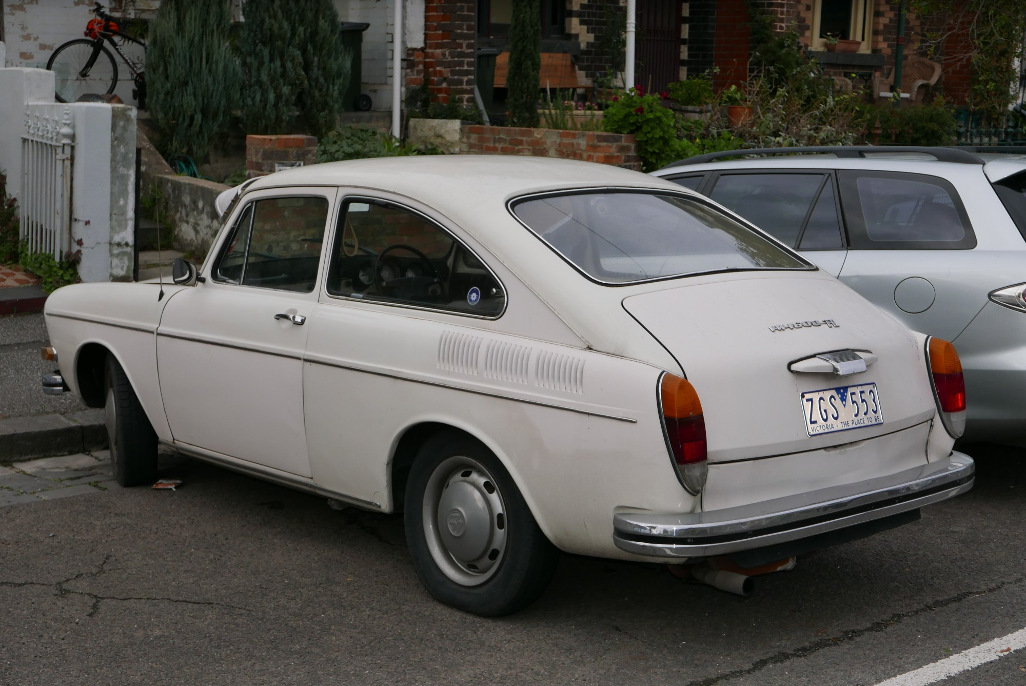 hight resolution of file 1970 volkswagen 1600 type 3 tl fastback sedan 2015 07 14 02 jpg