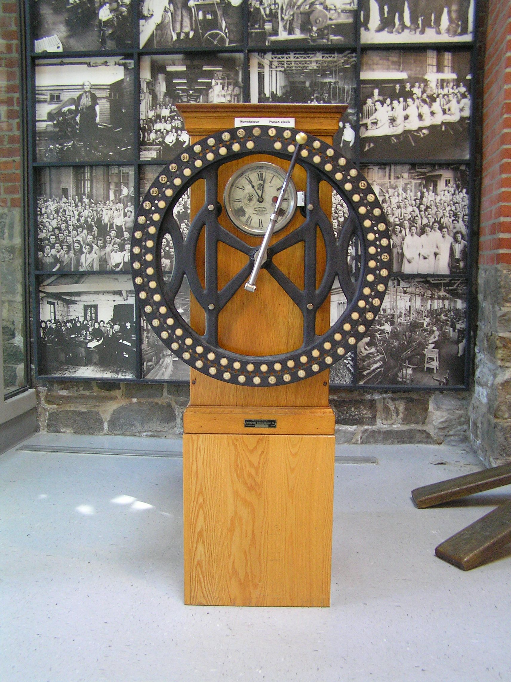 Time clock - Wikiwand