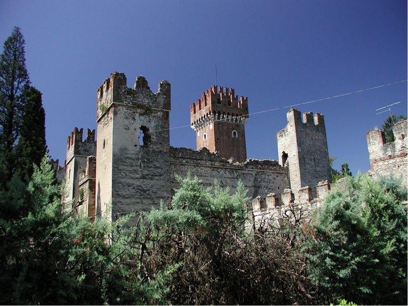Castello Scaligero Lazise  Wikipedia