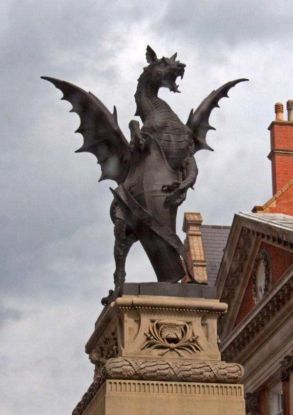 File Dragon Detail Temple Bar - Wikimedia