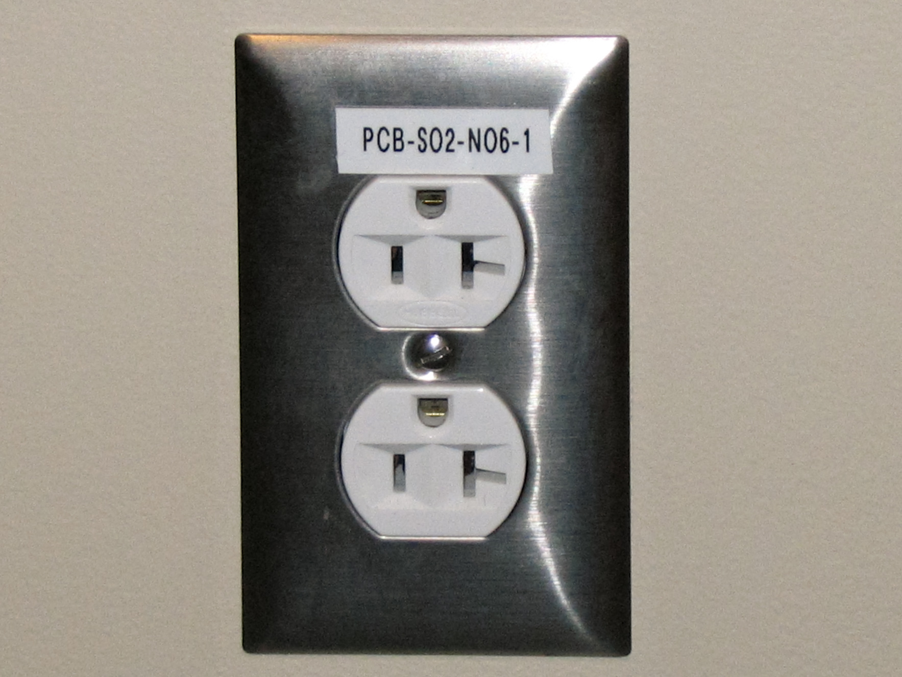 hight resolution of electrical outlet
