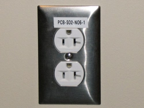 small resolution of electrical outlet