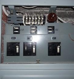 file liikuri 16 old circuit breakers in fuse box jpg wikimedia old electrical fuse old circuit [ 3648 x 2736 Pixel ]