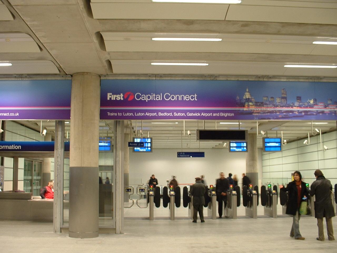 Entrance to the low-level Thameslink platforms...