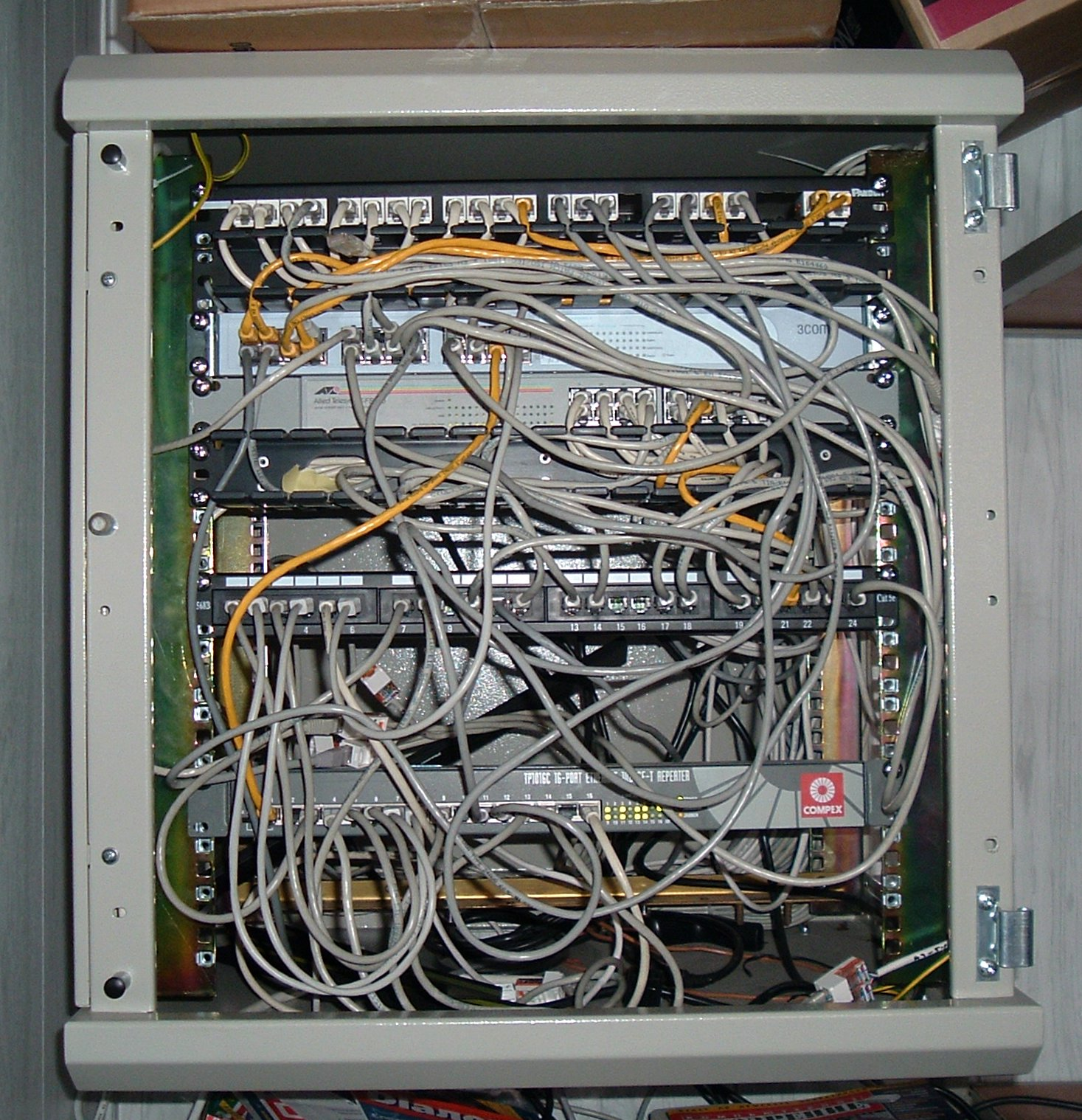 hight resolution of large house wiring network