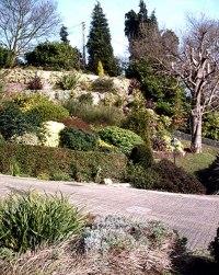 File:Terraced garden, Vicarage Hill, Benfleet - geograph ...