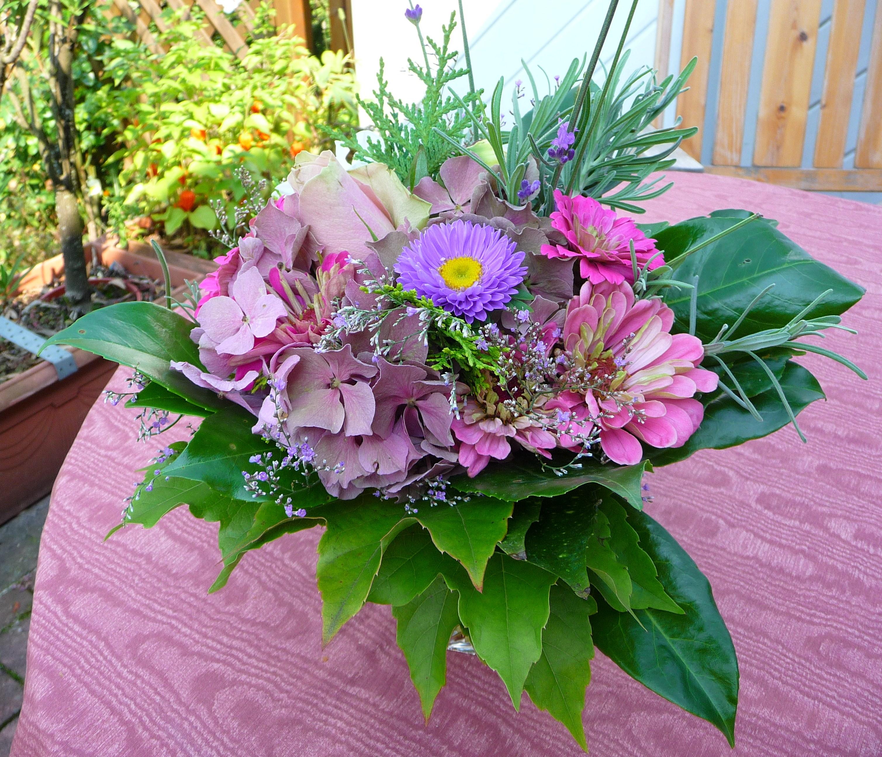 FileSptsommerlicher BlumenstrauJPG  Wikimedia Commons