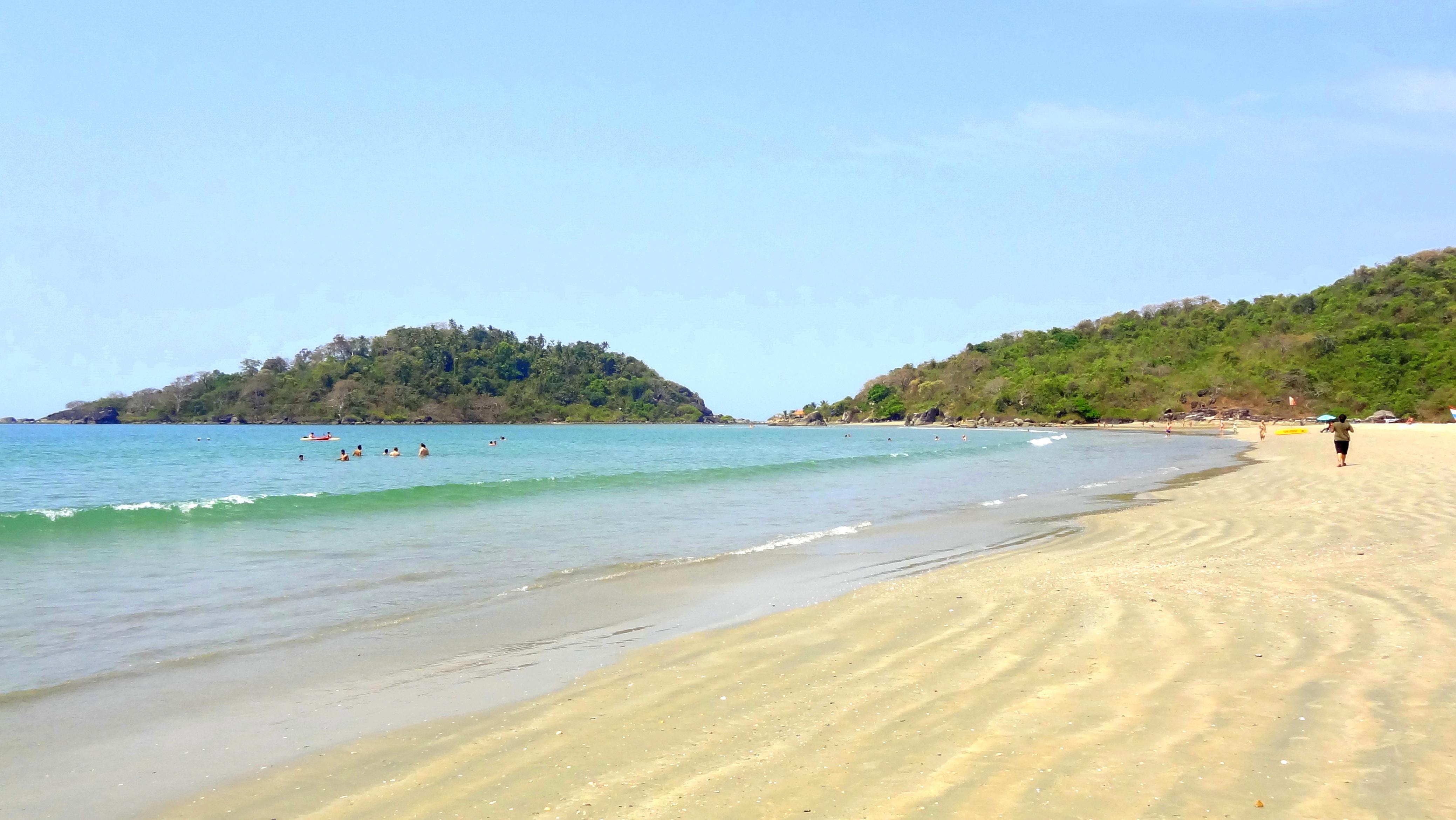 Filegoa Beautiful Beachjpg  Wikimedia Commons