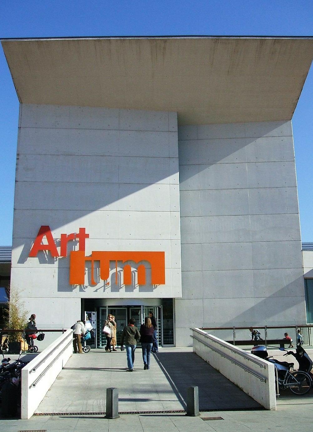 Artium Museum Wikipedia