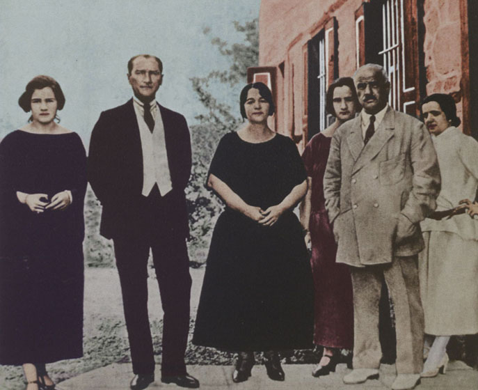 MustafaKemalPasha&LatifeHanim&Family early1923