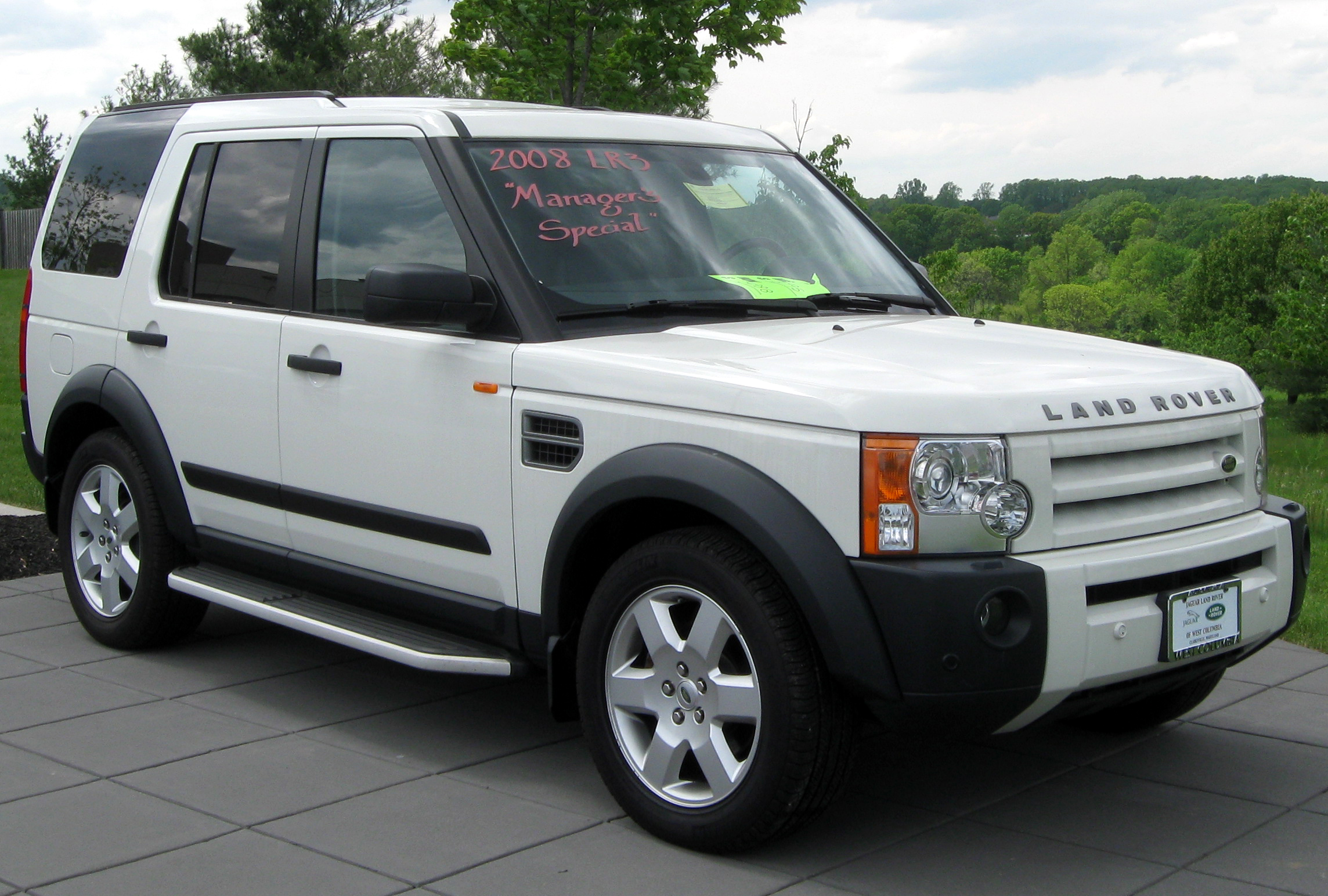File 2008 Land Rover LR3 05 06 2011 Wikimedia mons