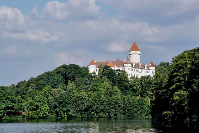 Schloss Konopit  Wikipedia
