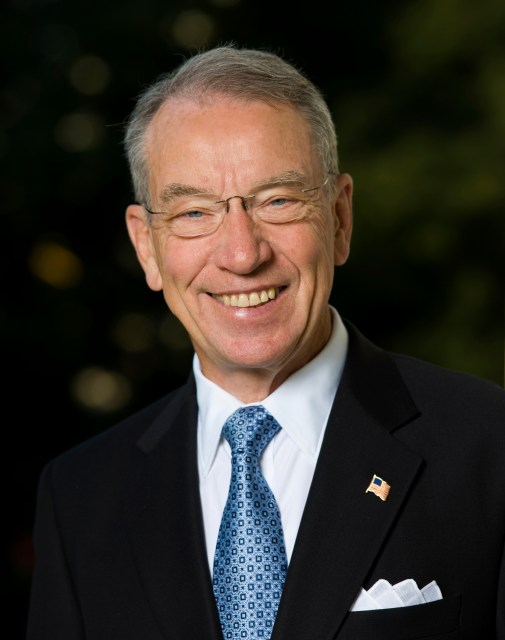 https://i0.wp.com/upload.wikimedia.org/wikipedia/commons/4/4a/Sen_Chuck_Grassley_official.jpg?resize=505%2C640&ssl=1