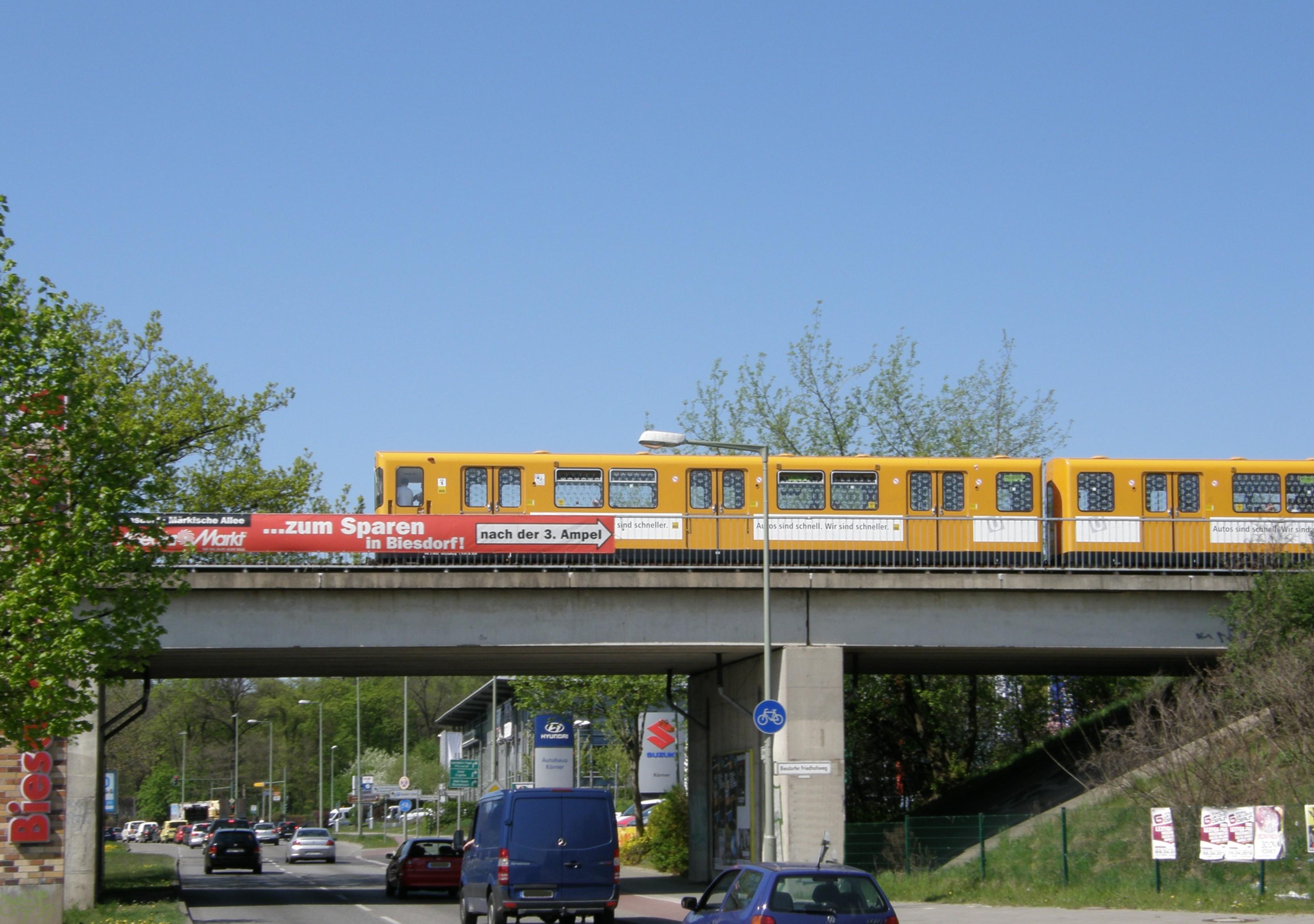 Datei:Alt-Biesdorf U-Bahn-brücke 2012-4-27 ama fec.jpg – Wikipedia