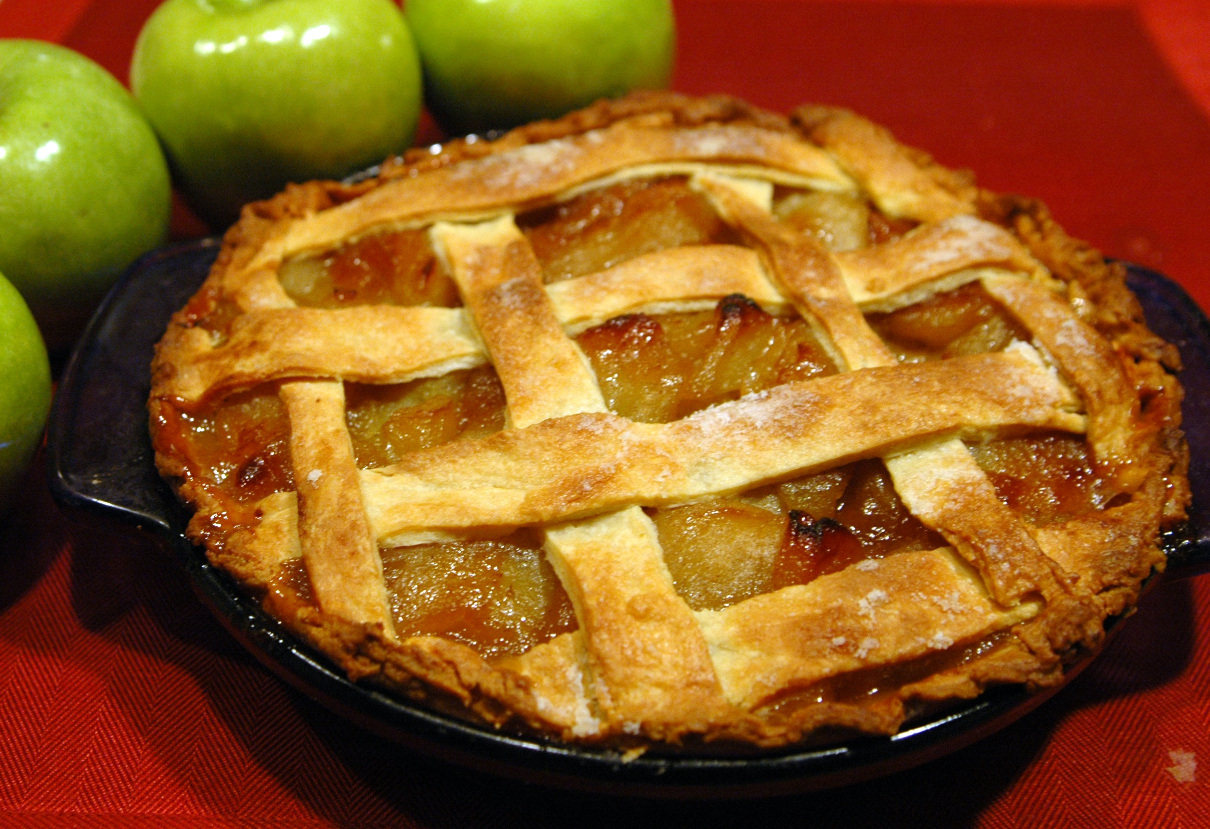 mmmm, Apple Pie... I should ask my girlfriend to bake me one.